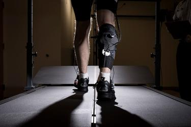 The soft robotic exosuit is worn by stroke patients on the hemiparetic side of their bodies. (Image courtesy of Harvard John A. Paulson School of Engineering and Applied Sciences.)