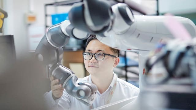 Global sales and installations of industrial robots are on the rise, breaking records across industries and countries. (Image courtesy of International Federation of Robotics.)