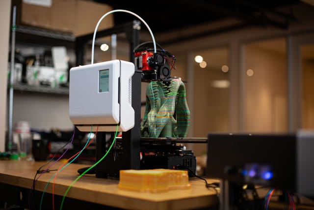 The Palette 2, integrated into a MakerGear M3 3D printer, printing a multicolor dinosaur skull. (Image courtesy of Mosaic Manufacturing.)