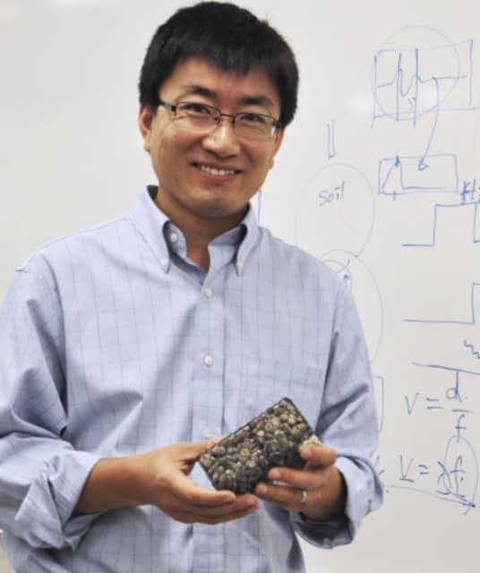 Assistant Professor Sheng Dai. (Image courtesy of Georgia Tech.)