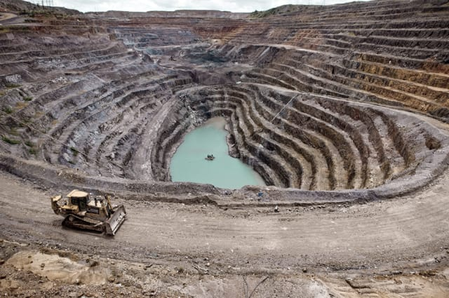 Cobalt mining in Democratic Republic of Congo. (Image courtesy of foreignbrief.com)