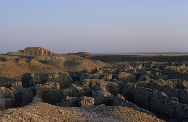 Modern ruins of the City of Ur, which the Wall of Mardu was built to protect. (Image courtesy of history.com.)