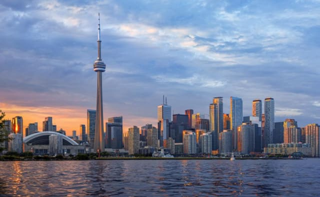 Toronto is becoming the more affordable new Silicon Valley, attracting more immigrants in high-tech industries. (Image courtesy of Getty Images.)