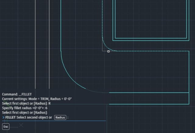 The AutoCAD web app supports sub-commands in the command line. (Image courtesy of Autodesk.)