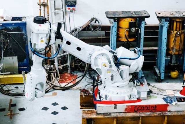 The Scoolpt robotic arm was used by Prvok to complete the house in two days' time. (Image courtesy of Prvok.)