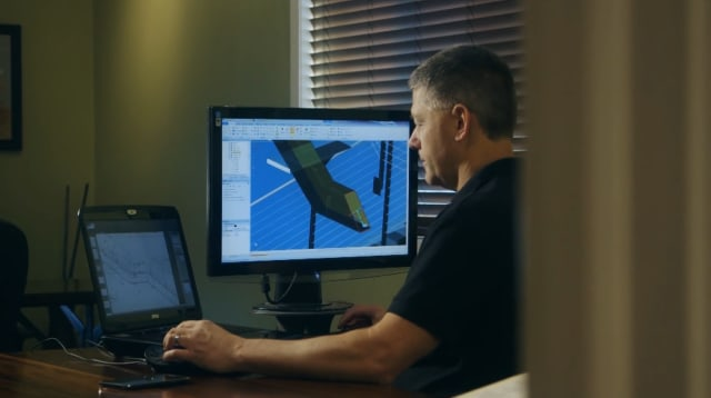 Dan White working in ANSYS Discovery SpaceClaim. (Image courtesy of Keuka Studios.)