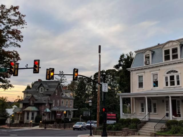 A 5G cell transmitter on a utility pole in Doylestown, Pennsylvania. The town is fighting 5Groll out in order to preserve the charm of its downtown, which would be affected by the proliferation of cell phone towers 5G demands. (Image courtesy of CNET/Marguerite Reardon.)
