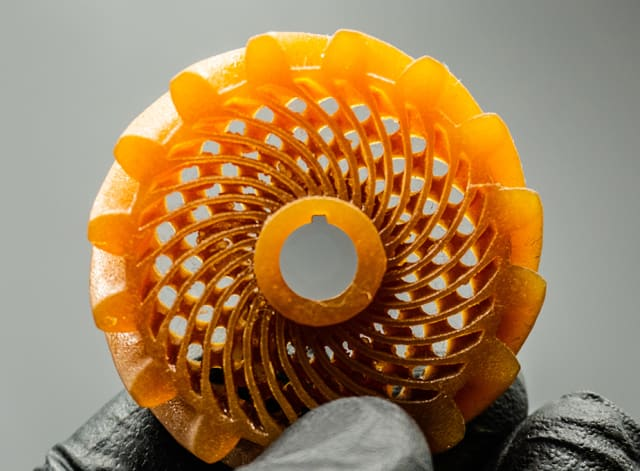 A gear designed by nTopology and printed using an experiential resin for engineering applications, 15% glass fiber by volume. (Image courtesy of Fortify.)