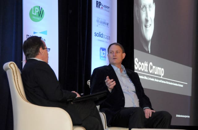 Scott Crump, 2016 Innovators Award recipient, offers insights during an on-stage interview. (Image courtesy of AMUG.)