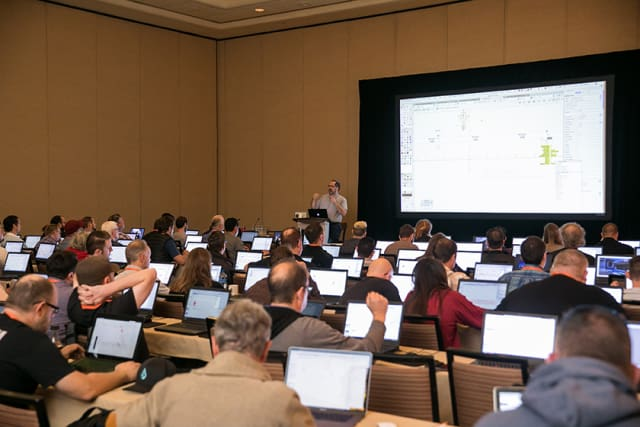 Attendees had access to laptops that were preloaded with Vectorworks 2019, which enabled them to follow along during certain session tutorials. Over 90 hours of training, including AIA and ASLA CEUs, were provided throughout 54 sessions led by 39 speakers.