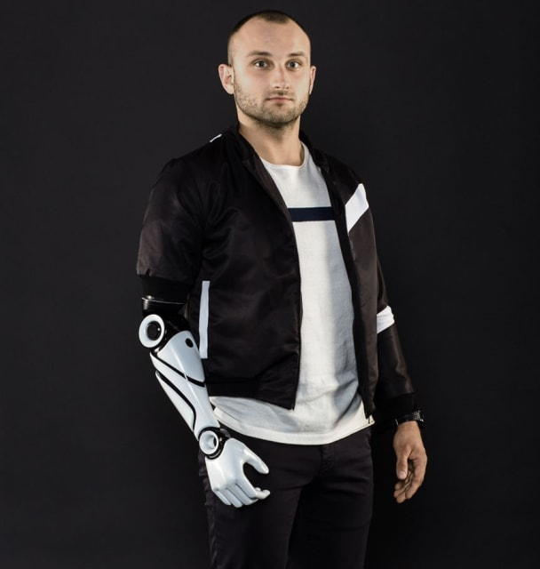 Glaze Prosthetics—This company was founded in 2017 in Krakow, Poland, and gives a full range of stylistic options to patients, who can choose from different models and order them online. Glaze Prosthetics uses industrial additive manufacturing, specifically HP MultiJet Fusion technology. The company recently added new features and components, including a powerbank and embedded Bluetooth speaker. (Image courtesy of Glaze Prosthetics.)