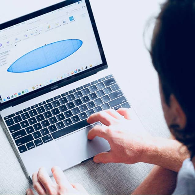 Stu Bowen designing a Lamina surfboard in Fusion 360. (Image courtesy of Lamina Flow.)
