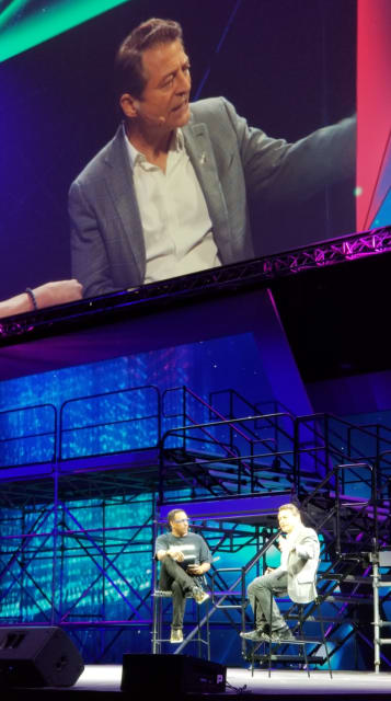 Peter Diamandis (right) on the LiveWorx main stage with Master of Ceremonies Mario Armstrong (left).