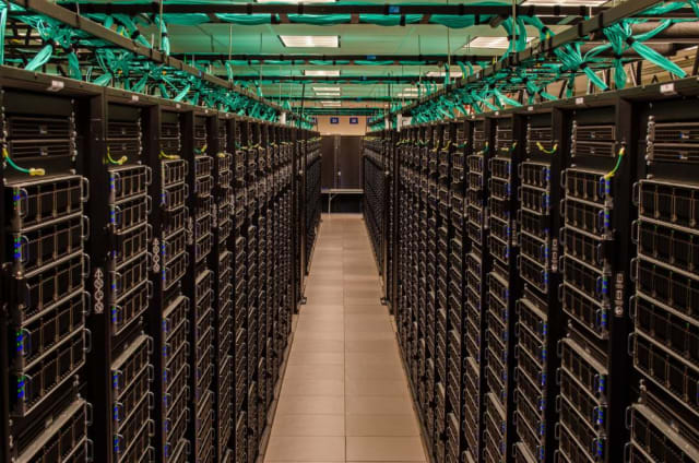 Gaze your eyes upon the Frontera, the fifth fastest supercomputer in the world. It's a Dell C6420 system that scored an HPL of 23.5 petaflops. It's powered by Xeon Platinum processors and was deployed at the Texas Advanced Computing Center at the University of Texas at Austin in 2018. (Image courtesy of the University of Texas.)