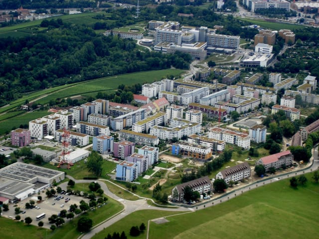 The green roofs of Stuttgart. (Image courtesy of the Nature of Cities.)