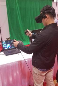 Engineering.com's Juliver Ramirez creating art with MasterpieceVR.
