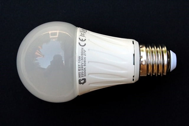 An example of a normal, everyday LED light bulb that one can find in most households or buildings. Most LEDs of this kind of design come with a driver build into the lamp itself. In the case where multiple LEDs are to be strung in series or parallel, using a dedicated LED driver can help protect the devices and extend their life spans. (Image courtesy of Wikimedia Commons.)