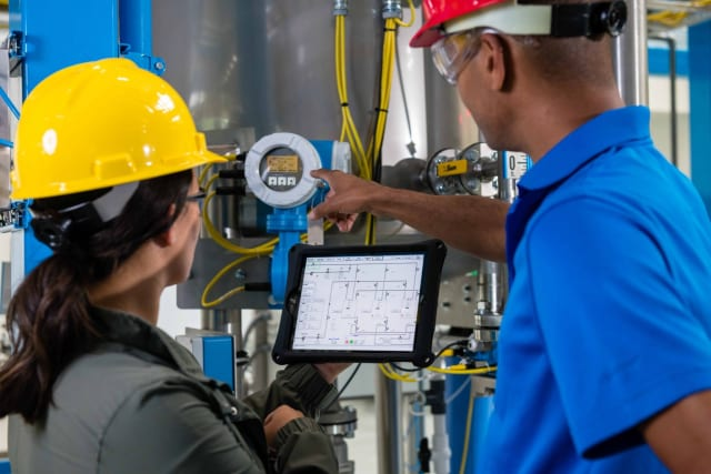 STRONG ROCKWELL CUSTOMER SEGMENTS. Rockwell Automation's strongest industrial segment is machine building and medical technology, while it generally has five heavy industrial focus areas: food, consumer goods, pharmaceutical, metal & mining and oil & gas industries, says Rockwell's Felix Langkjaer.