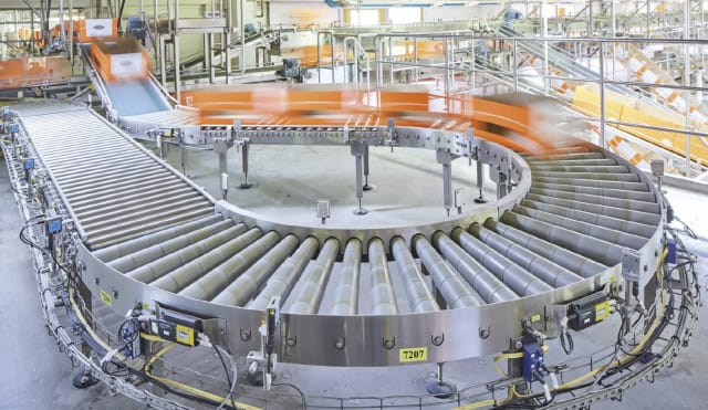 Swiss engineering company Mechtop designs custom conveyor systems like the one pictured here. (Image courtesy of Mechtop AG.)