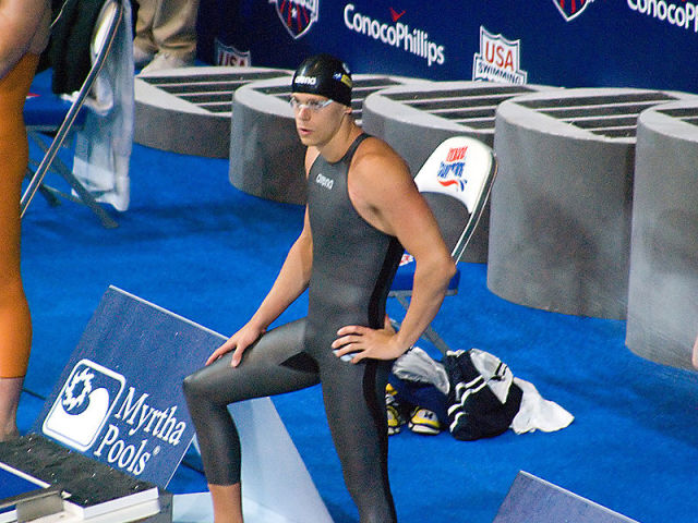 Brazilian swimmer César Cielo wearing the Arena X-Glide swimsuit. (Image courtesy of myuzeme.)