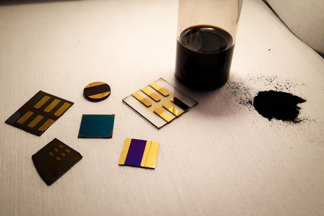 A sample of pulverized coal with several test devices made by MIT researchers. (Image courtesy of MIT.)