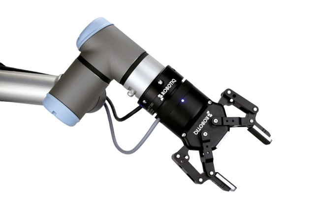 Robotiq's new TF 300 sensor can be easily installed in any Universal Robot. (Image courtesy Robotiq.)
