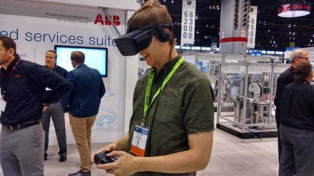 Kagan Pittman gives VR a try.