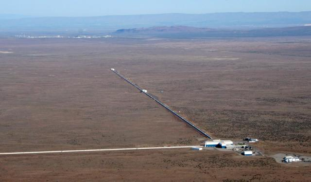 The LIGO detector in Hanford, Washington. (Image courtesy of LIGO Laboratory.)