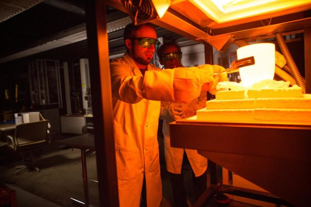 A Path to More Energy-Efficient Glass Manufacturing > ENGINEERING com