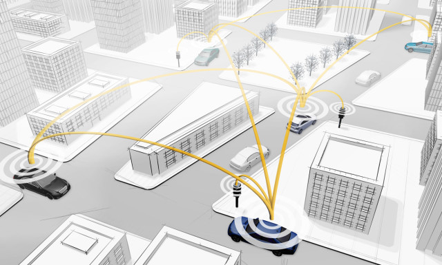 This diagram shows vehicles connected to each other as well as the surrounding infrastructure. (Image courtesy of Mercedes-Benz.)