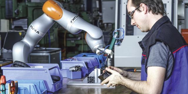 コラボレーションロボットの歴史:インテリジェントリフトアシストからコボットへ> ENGINEERING.com