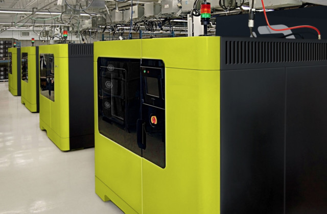 Fast Radius has customized industrial 3D printers to print orders autonomously. (Image courtesy of Fast Radius.)