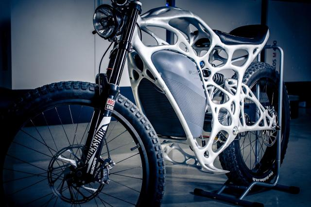 The Light Rider electric motorcycle from APWorks weighs just 35 kg. (Image courtesy of APWorks.)