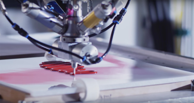 The Liquid Factory technique extrudes BASF-made polyurethane to form the outsole of the shoe. (Image courtesy of Reebok/YouTube.)
