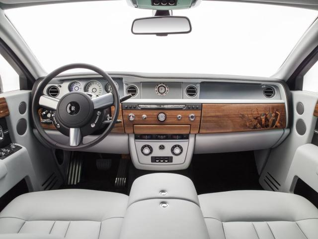 The interior of the Rolls-Royce Phantom, with 10,000 3D-printed parts. (Image courtesy of the BMW Group.)