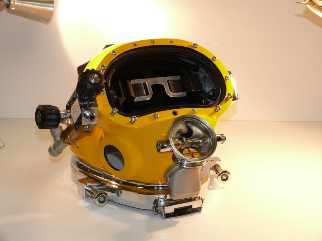 The hope for the DAVD system is that it will help divers become more accurate when looking for different items, people and downed ships and when performing salvage operations and other diving missions. (Image courtesy of the U.S. Navy. Photo by Richard Manley.)