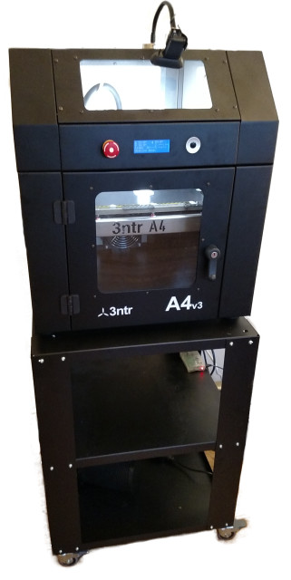 3ntr's A2 and A4 series 3D printers feature three liquid-cooled extruders for processing professional quality 3D print jobs. (Image courtesy of Plural AM.)