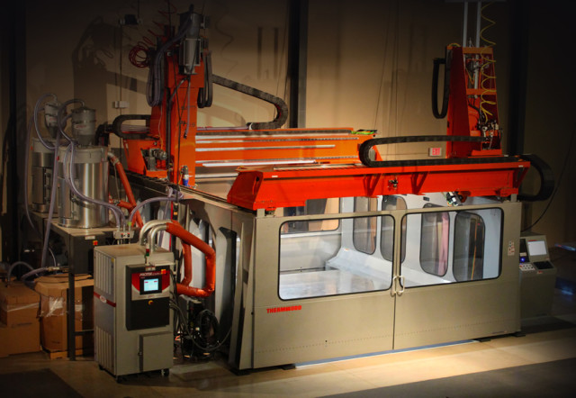 Thermwood has just unveiled the LSAM, the first extrusion 3D printer with built-in CNC machining capabilities. (Image courtesy of Thermwood.)