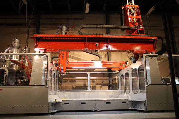 The LSAM can be made to extend to over 100 feet long. (Image courtesy of Thermwood.)