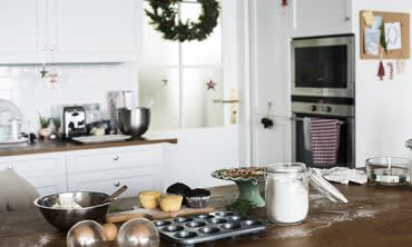 25 insider secrets to a clean home and stress-free festive season