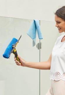 32cm Outdoor Window Cleaner Complete
