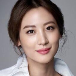 金秀賢 Claudia Kim