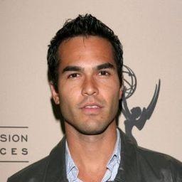 Adrian Alvarado頭像