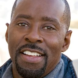葛尼雲斯 Courtney B. Vance