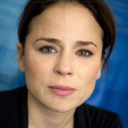 蘇珊卡蒙 Suzanne Clément