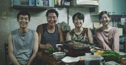 《寄生上流》為什麼這麼好看?最恐怖悲哀的喜劇韓國電影!