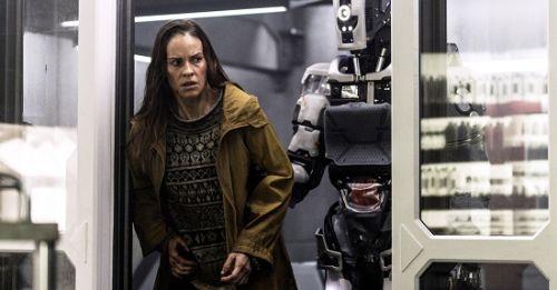 【阿凡達】團隊打造,【AI終結戰】導演獲影后肯定「諾蘭接班人」