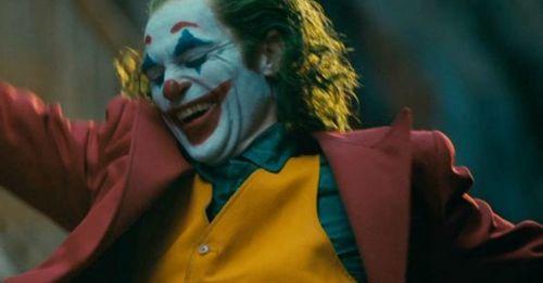 瓦昆《小丑》的造型風格藏了哪些細節?