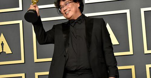 拿下無數獎項肯定,但導演奉俊昊在典禮上的這些小動作,讓影迷更加尊敬!