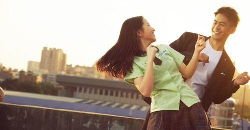 院線影評/《陪你很久很久》:青春愛情喜劇的變奏